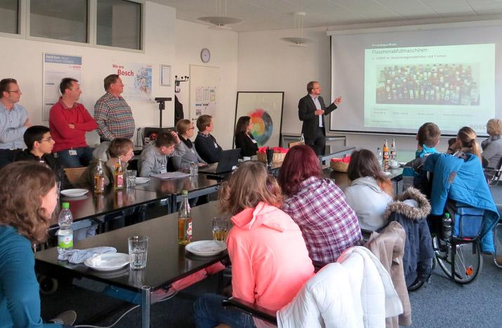 Der etwas andere Blick: FFH-Schüler besichtigen die Ampack GmbH