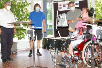 Studenten für Klienten: Drummer der FFH-Band steuert Drumset jetzt elektronisch