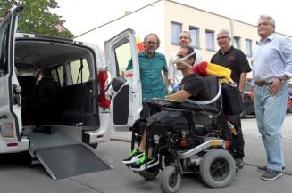 Carsharing-Modell: Soziales Gemeinschaftsprojekt in Königsbrunn macht Menschen mit Behinderung mobil