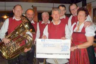 Kleine Dorfmusik Straßberg e.V. spendet Erlös aus Waldweihnacht 2012